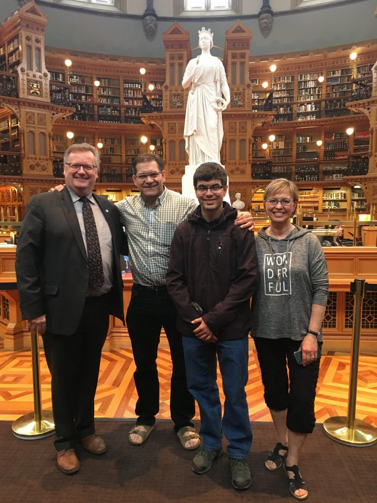 GERALD, MATTHEW & BRENDA LASHYN-CONSTITUENTS TOUR OF PARLIAMENT
